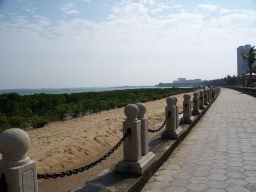 全部版本 历史版本                        湛江海滨公园位于霞山区图片