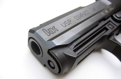 usp45战术型手就是为了满足特种部队士兵需求开发出来的.