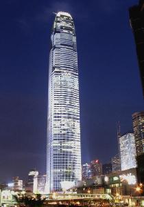 米,是香港第一高楼,世界第六高 一般说有地上88层,但事实上建筑