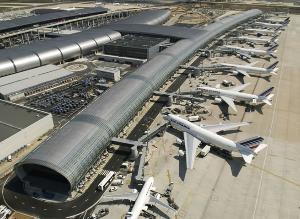 ... 其它 重要 的 机场 是 奥 利 机场 aéroport d apos orly