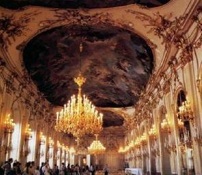 皇宫外部颜色是所谓玛丽亚·特雷莎黄图片