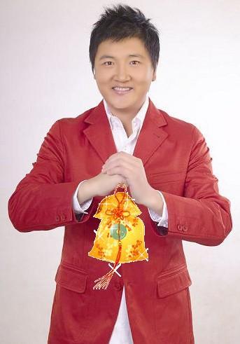 1987-1989年北京煤矿文工团 1990-1991年大连市歌舞团 1991-1993年中央歌舞团(谷建芬艺术中心) 1990年广东音像出版社为其录制首张个人专辑《弯弯的月亮》 1992年作为当年中国十大歌星之一出访香港,受到热烈欢迎,此次活动为后来人们提到的首届中国风(其他九位成员分别是那英、解晓东、毛阿敏、蔡国庆、成方圆、杨钰莹、淘金、谢津、腾格尔)。