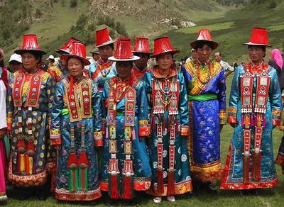 保安族  保安族聚居在甘肃省临夏大河家地方,约9000余人...