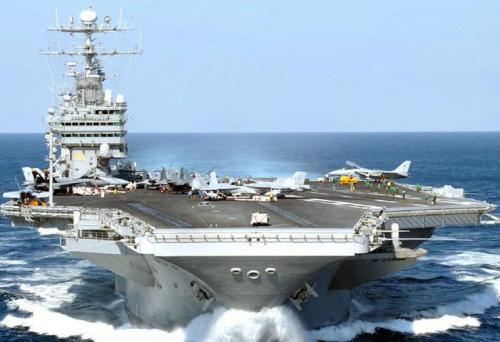 通常一个航母战斗群的标准编成为:1艘现役航空母舰