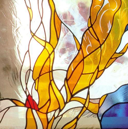 污点艺术玻璃 污点艺术玻璃,起源于北美,流行于欧洲,并在尽...