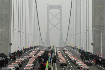 双层环氧沥青破难题  针对阳逻长江大桥钢桥面沥青混凝土...