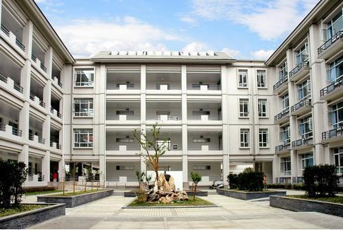 2010年1月15日,重庆市人民政府正式批复重庆市辅仁中学校为重庆市