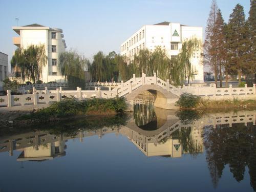 镇江市宝堰镇_宝堰中学是一所初级中学