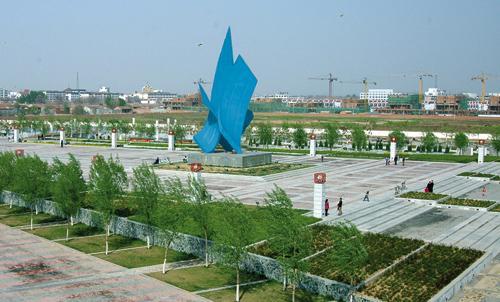 临清市运河文化广场的建成极大的丰富了我市居民的