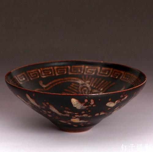 剪纸贴花瓷器成为一种流行的装饰手法