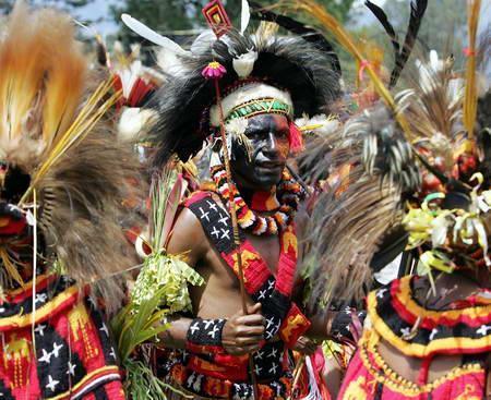 是位于西南部的一个岛屿国家,主要涵盖新几内亚岛东半部,西邻的巴布亚