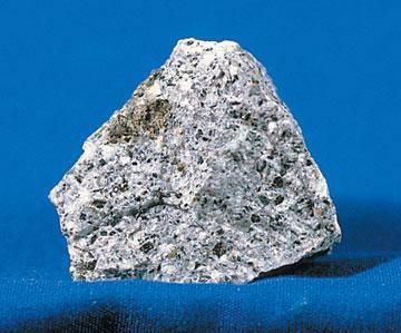 结构为主,与 闪长岩 过渡的二长岩中,常见二长 ...