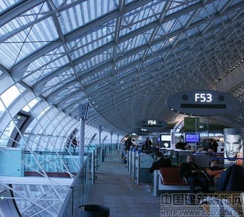 夏尔·戴高乐国际机场有三个航站楼。2号航站楼专为 ...