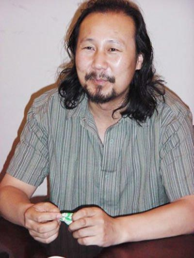 腾格尔演唱的《天堂》《蒙古人》等歌曲深受听众喜欢