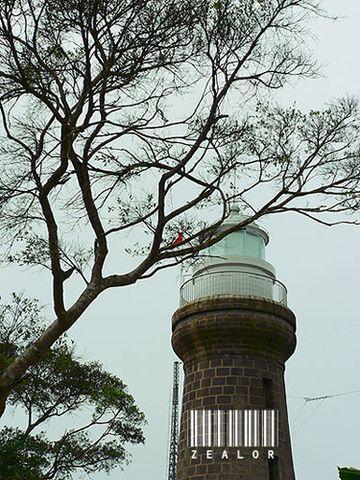 硇洲灯塔硇洲灯塔高23米,底宽5米,顶宽4米,整个塔由麻石砌成...