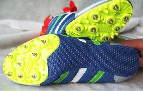 钉鞋囹�a_钉鞋