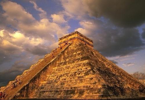 埃及金字塔为什么爆炸图片