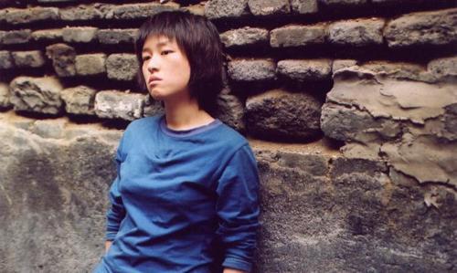 马俪文编导的电影《我们俩》就是个讲述人与人之间奇妙关...