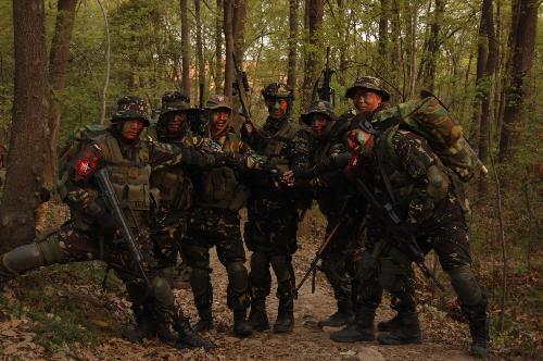 中国陆军狼牙特种部队有没有啊