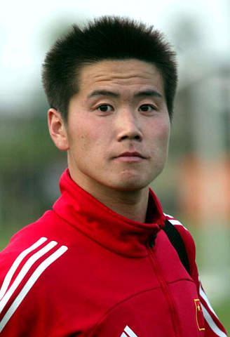 足球运动员肇俊哲