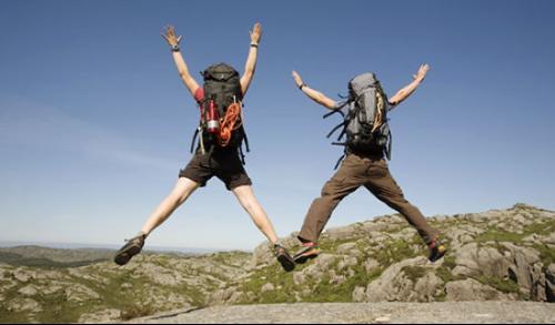 登山装备_登山(mountaineering):是指在特定要求下,运动员徒手或使用专门装备