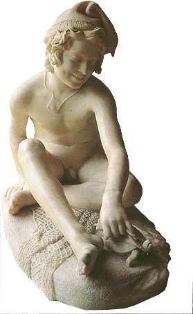 大理石雕刻《渔童》是一件造型极为优美、雕刻技巧非常精制的作品。这是一个天真活泼的渔家少年,他笑眯眯地戏弄着刚捉到的水龟。这种反映劳动者日常生活题材的作品,对于学院派的古典传统来说,是一个极大的突破,也是欧洲雕刻史上,从古典主义过渡到浪漫主义的一件名作。由于作者对于生活的深入理解和观察,将渔童的形象刻画得非常生动。在渔童的欢欣愉快的面容中带有一种村野的质朴气息,尤其那蓬松的卷发越加显示出性格上的无拘无束。他的右手扶在泥沙地面,双腿自然地盘坐,伸出左手用一根绳子轻轻地牵扯着水龟的颈项,使它举足不前,由于