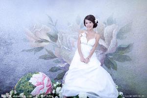 单人婚纱照是在近两年才开始逐渐
