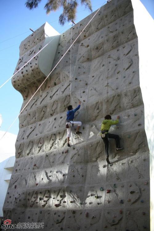 攀岩1991年举办了首届世界攀1992年举行了首届世界青年攀...