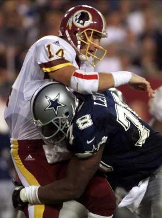 美式橄榄球 赛事   常见犯规   进攻方提前移动:除了在开球...