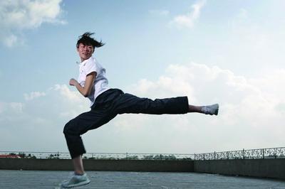 会员经考试合格颁发世界武道跆拳道联盟级别证书与段