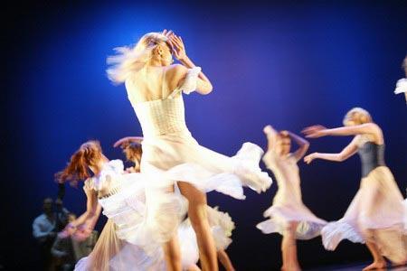 带来两部重量级的欧式舞蹈剧场现代经典