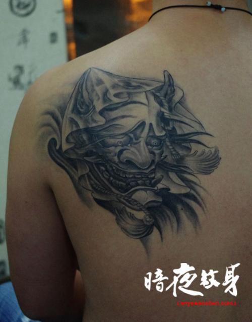 般若纹身师有7年的纹身刺青行业经验