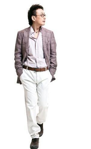 男装白裤子搭配图片