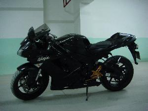 川崎250摩托车