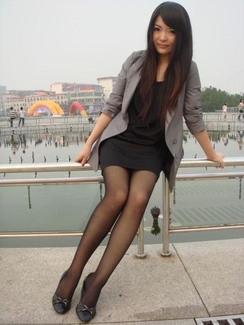 丝袜女性穿上更加的妩媚