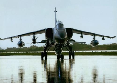由西安飞机制造公司,西安飞机设计研究所(603所)共同