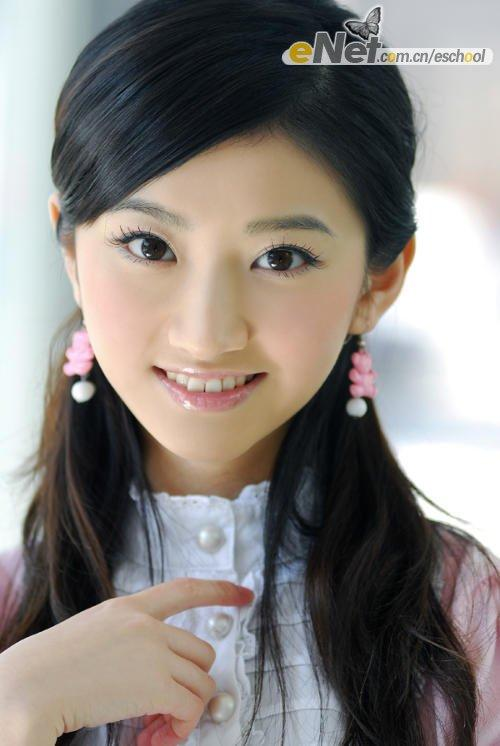 漂亮美女 一般解释为容貌美丽的女子