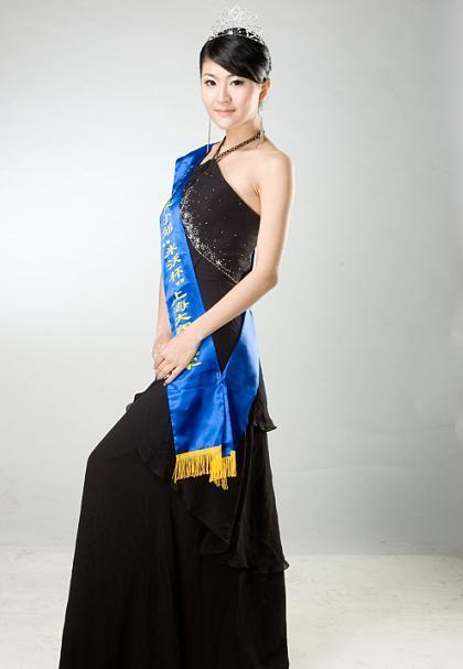 吴捷荣获世界小姐上海总冠军