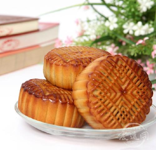 广式月饼闻名于世,最基本的还是在于它的选料和制作技艺无比精巧,其图片