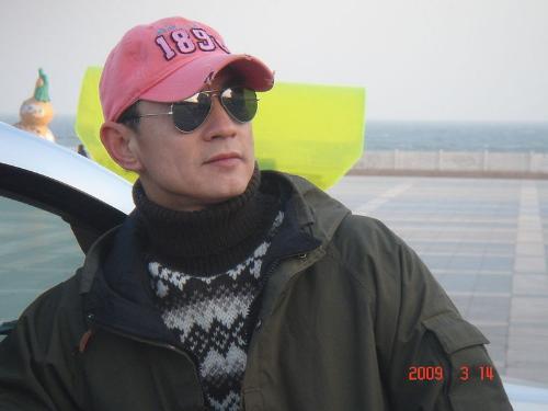 周浩东生活照(15张); 健身男生活照;