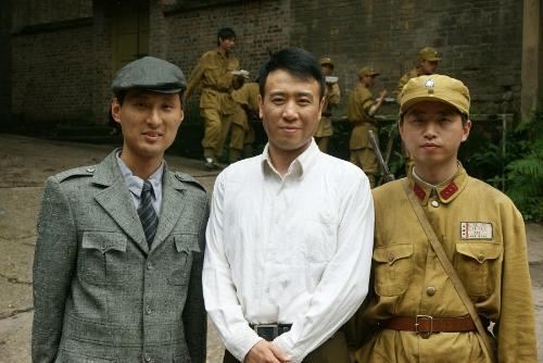 2010年6月在重庆市拍电视剧(兵临城下).