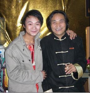 孟静和'陕北歌王'王向荣老师在一起
