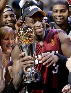 韦德-2006年NBA总决赛MVP·NBA总冠军:2006年 ·NBA总...
