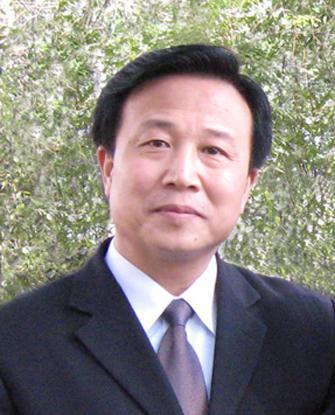 王亚飞,名砚夫,字静佛,号墨缘斋主,1957年出生于湖北竟陵,现为一级
