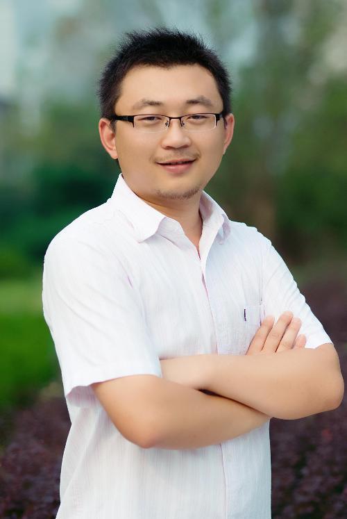 邓岳(播音员主持人)图片