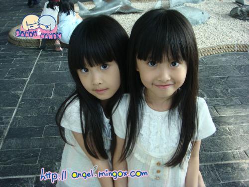 双胞胎组合 搞笑图片