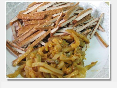 肉丝香干榨菜牛肚和什么一起煲粥图片