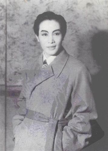 《魂断蓝桥》1941年饰罗伊此后,姚水娟、李艳芳联袂上演...