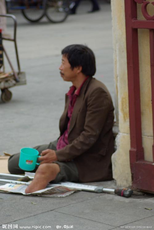 乞丐叫花子要饭图片_要饭的乞丐图片卡通_梦见乞丐沿街乞讨,感受人情冷暖,悉数影视 ...