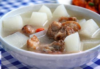 萝卜煲排骨